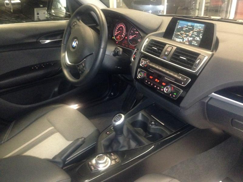 BMW Série 1 118d 150ch UrbanChic 5p