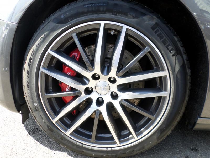 Maserati Ghibli 3.0 V6 330 AUTO